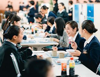 寮・食堂完備で学校生活も安心!